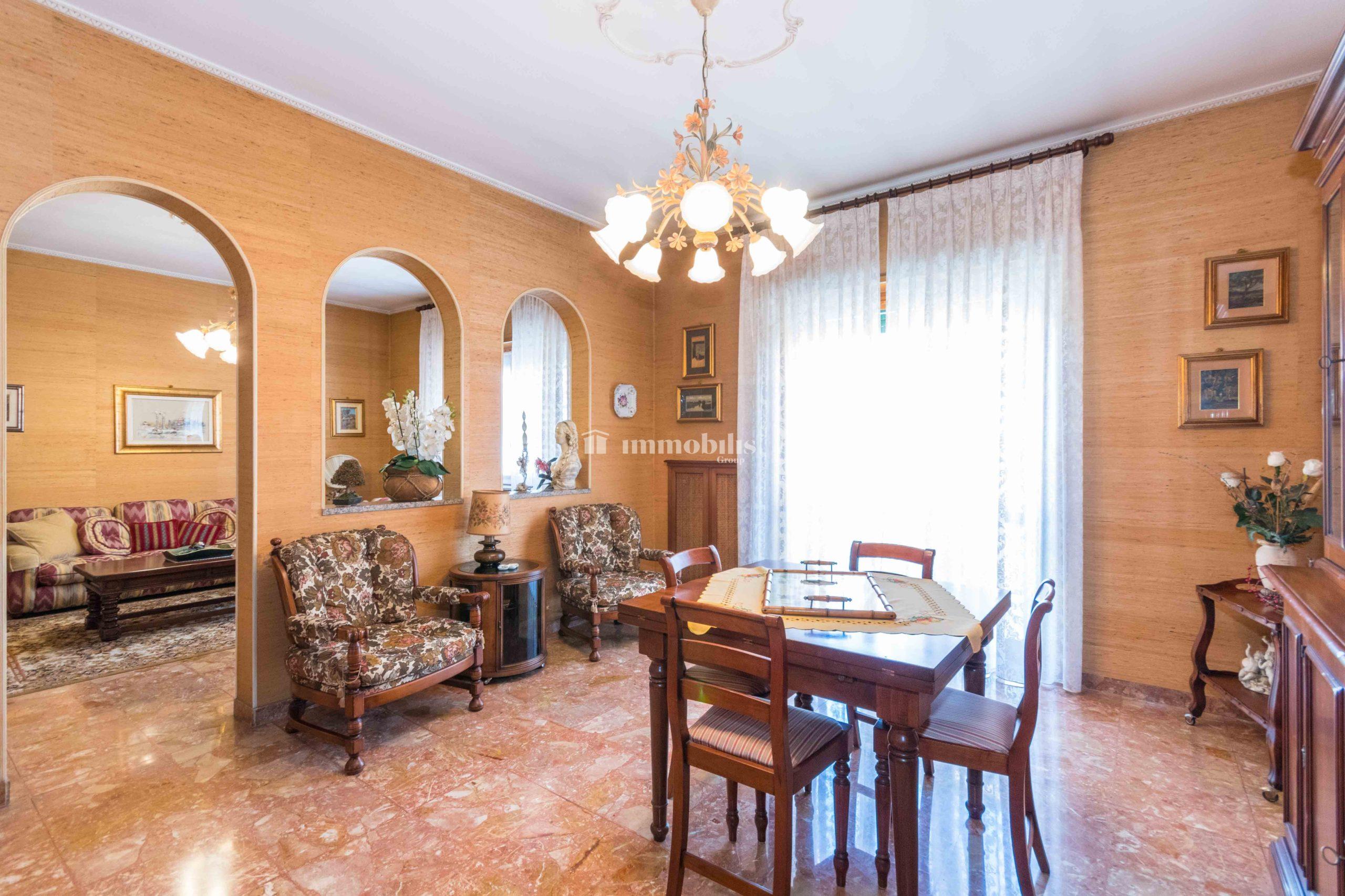 Ampio appartamento in villa