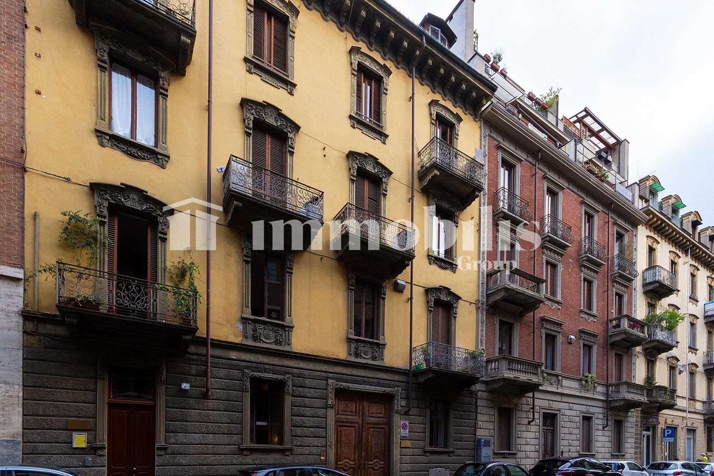Bilocale arredato zona Cit Turin